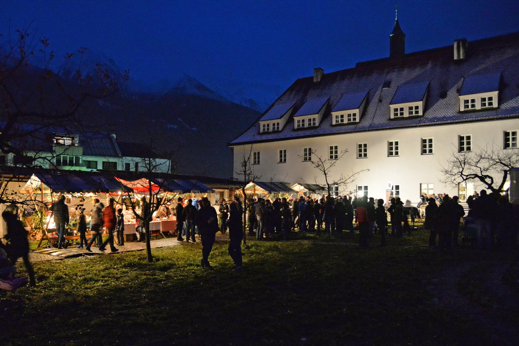 Telfer Advent im Klostergarten
